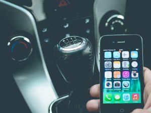 Dlaczego kierowcy nie mogą używać telefonu w trakcie jazdy?